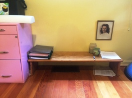 sit/squat desk