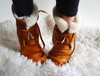 THE SIDE-SEAM SHEARLING BOOT